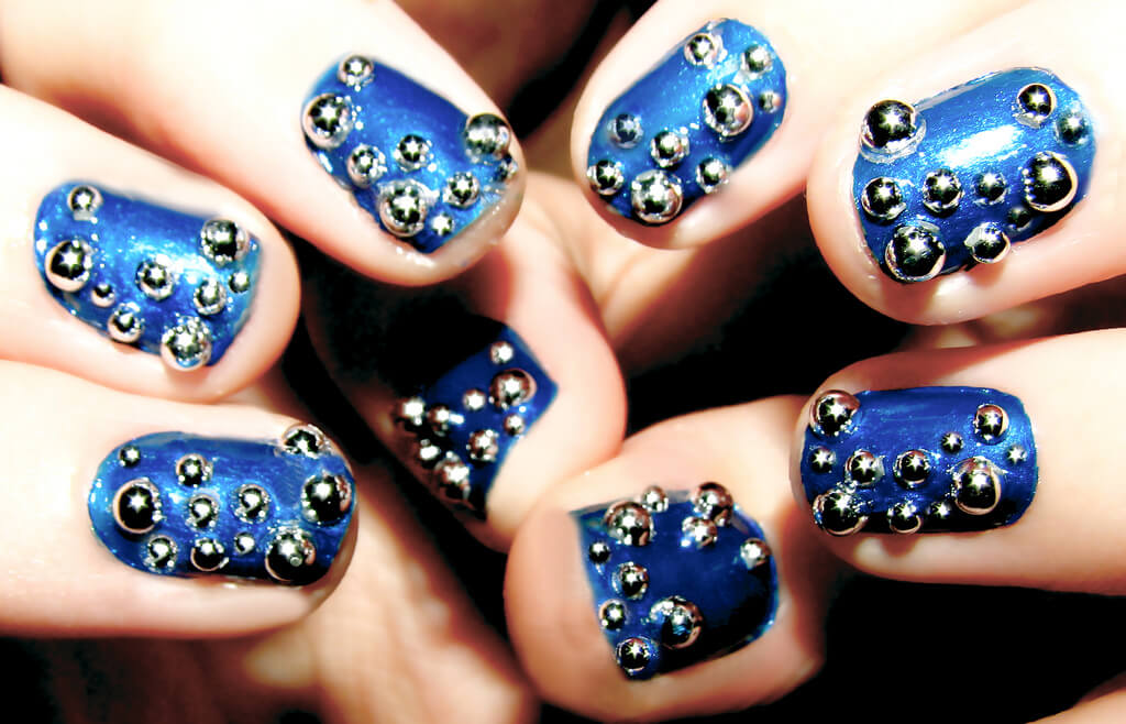 Bubble nails with blue stars