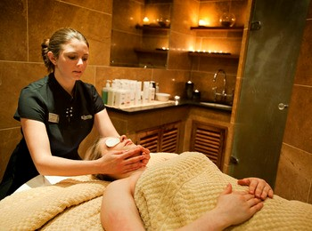 Women working in Bannatyne Spas.