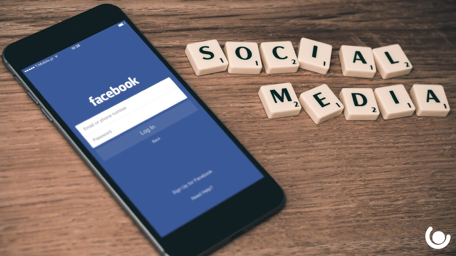 How-to-Use-Social-Media-For-Your-Career-in-IT-2-01-1